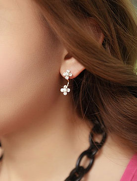 Flower faux-diamond earrings