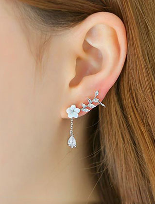 Flower faux-diamond acrylic 925silver earrings