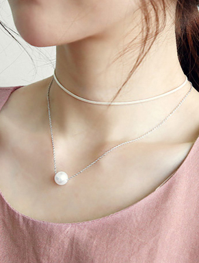 Adjustable double chain faux-pearl PU necklace