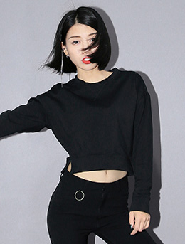 Slit solid color cropped cotton sweatshirt
