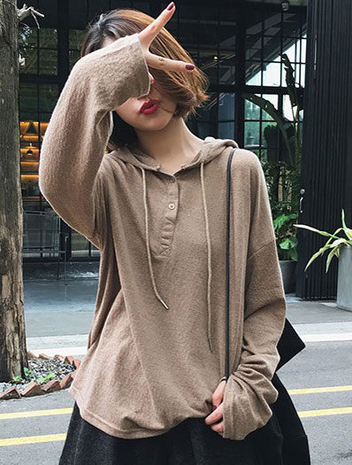 Hooded drawstring fine-knit sweater