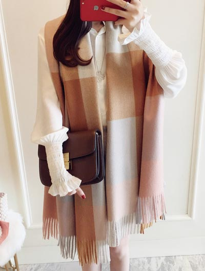 Fringed checked scarf