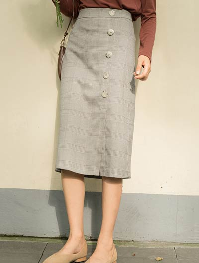 High rise buttoned hound's tooth midi skirt