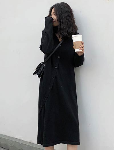 Oversized buttoned midi knit dress