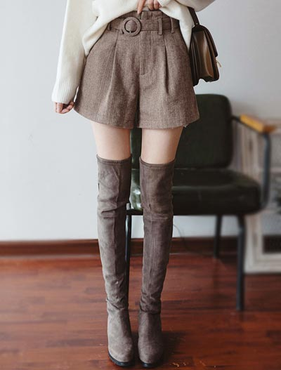 Belted wool blend shorts