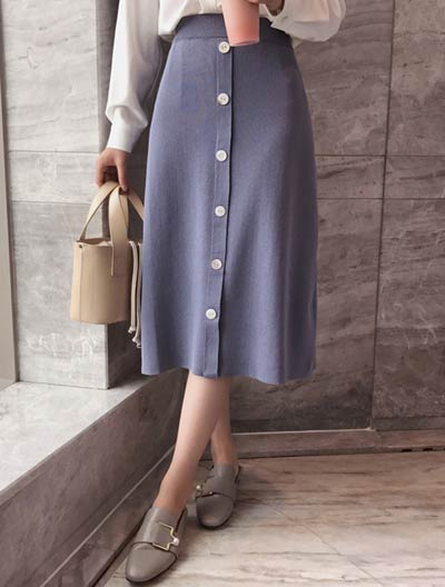 High rise buttoned midi knit skirt