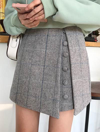 High rise checked wool blend shorts