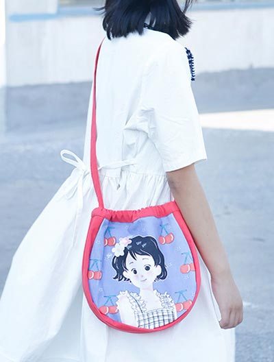 Girl printed canvas shoulder bag