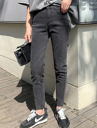 High rise straight-leg fleece jeans